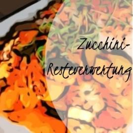 Zucchini-Zwiebel-Gemüse, überbacken, mit Kräuteröl und Tomatensoße