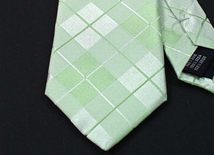 close up tie