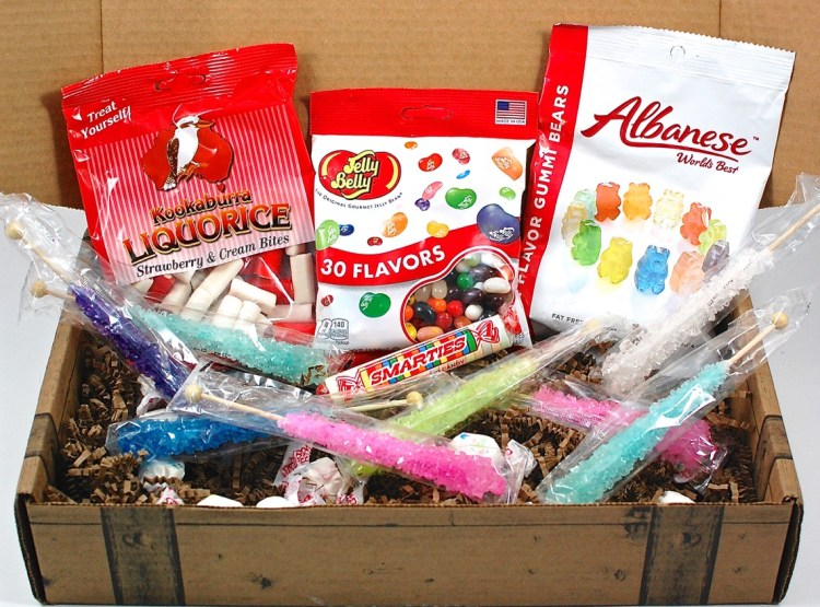 Treat Chest August 2015 Candy Subscription Review