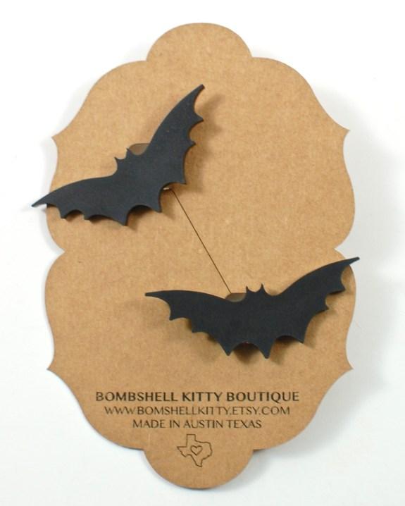 bat sweater clips