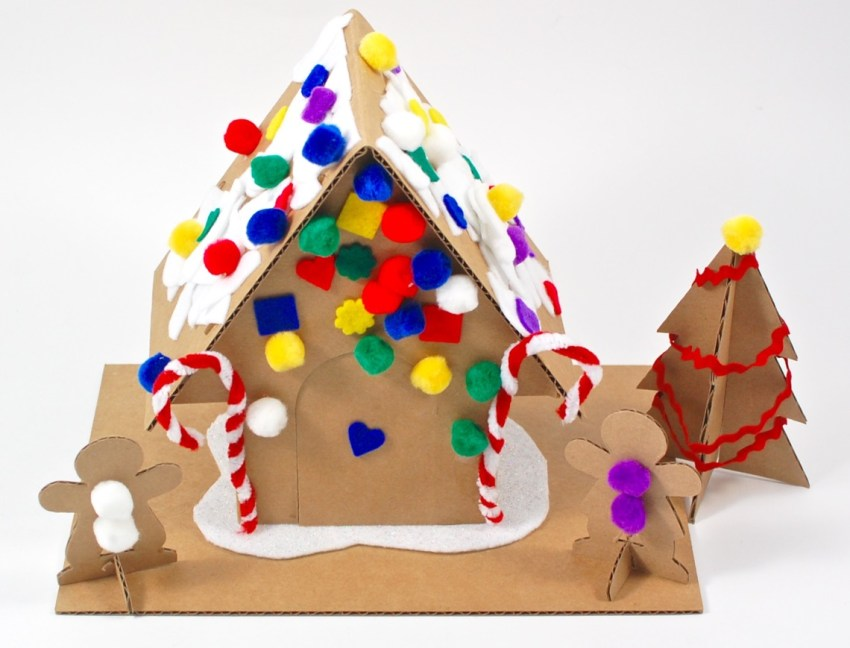 Kiwi Crate gingerbread house kit review
