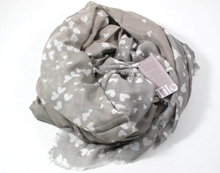 Tilo heart scarf