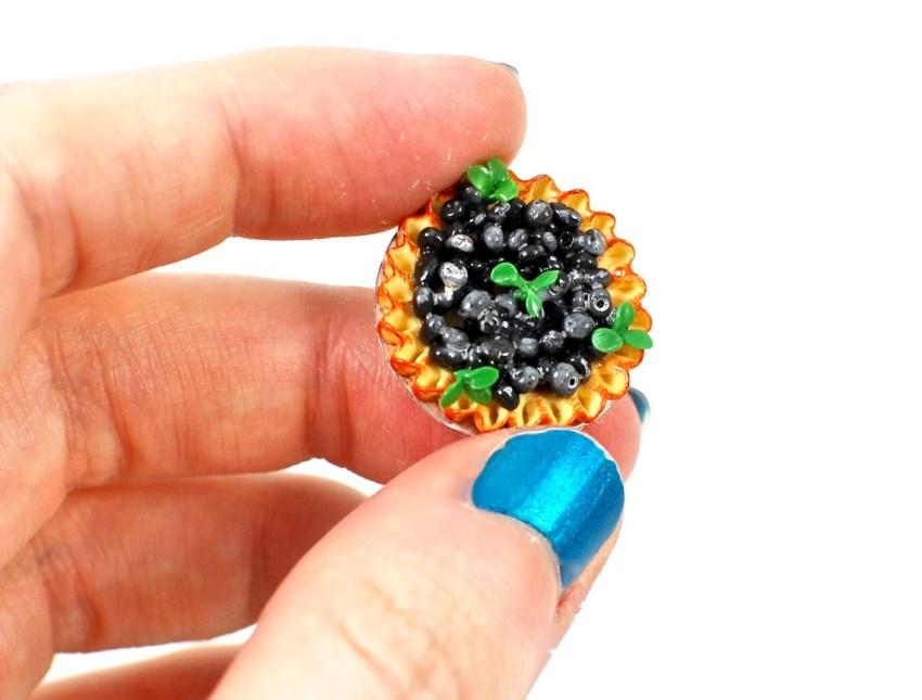 blueberry pie miniature