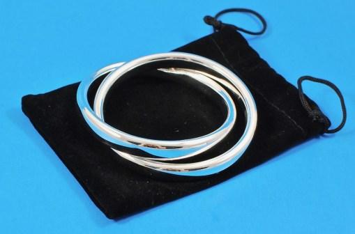 Zoe life interlocking bangles