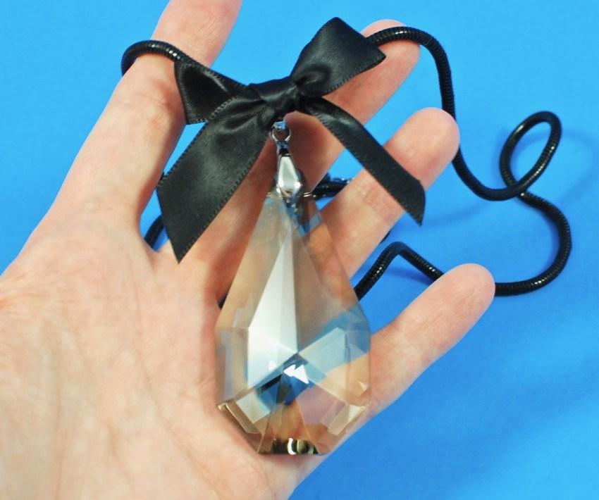 Prim's way crystal necklace
