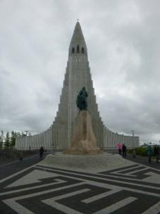 with sculpture of Leifur Eiríksson