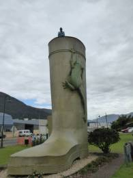 The Big Gumboot, Tully