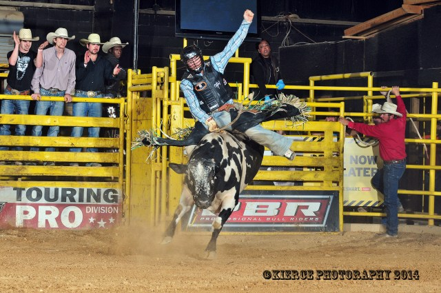 "Wrangler Dunda was looking good to start his ride on 72 ""Cookies & Cream,"" but bucked down before the buzzer for a ""no score."""
