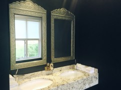 Paris House's bathroom