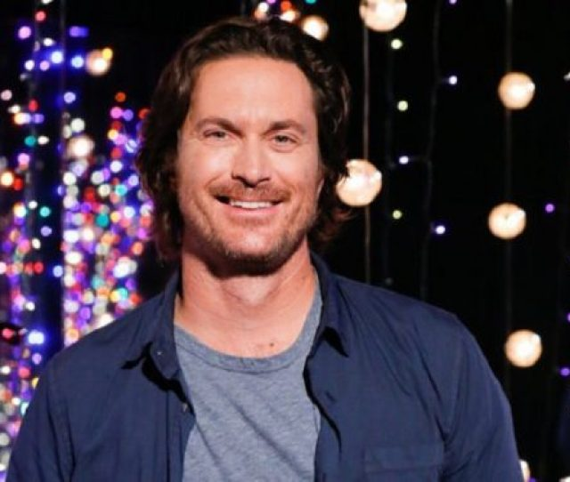 Oliver Hudson Shares Bikini Pic Of Wife Banished From Pool