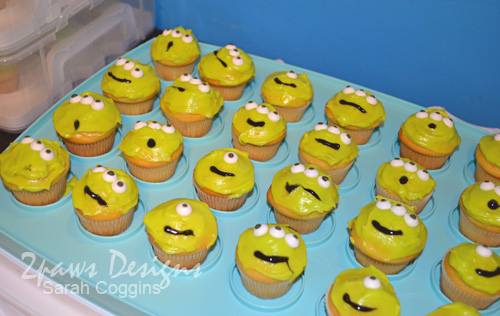 Blast Off Party: Alien Cupcakes