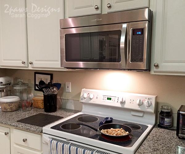 Kitchen: New Microwave
