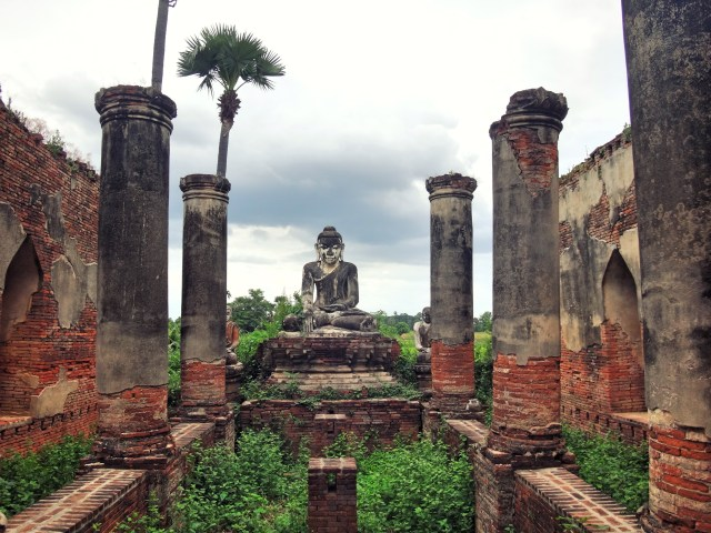 Stupa ruins in Ava.