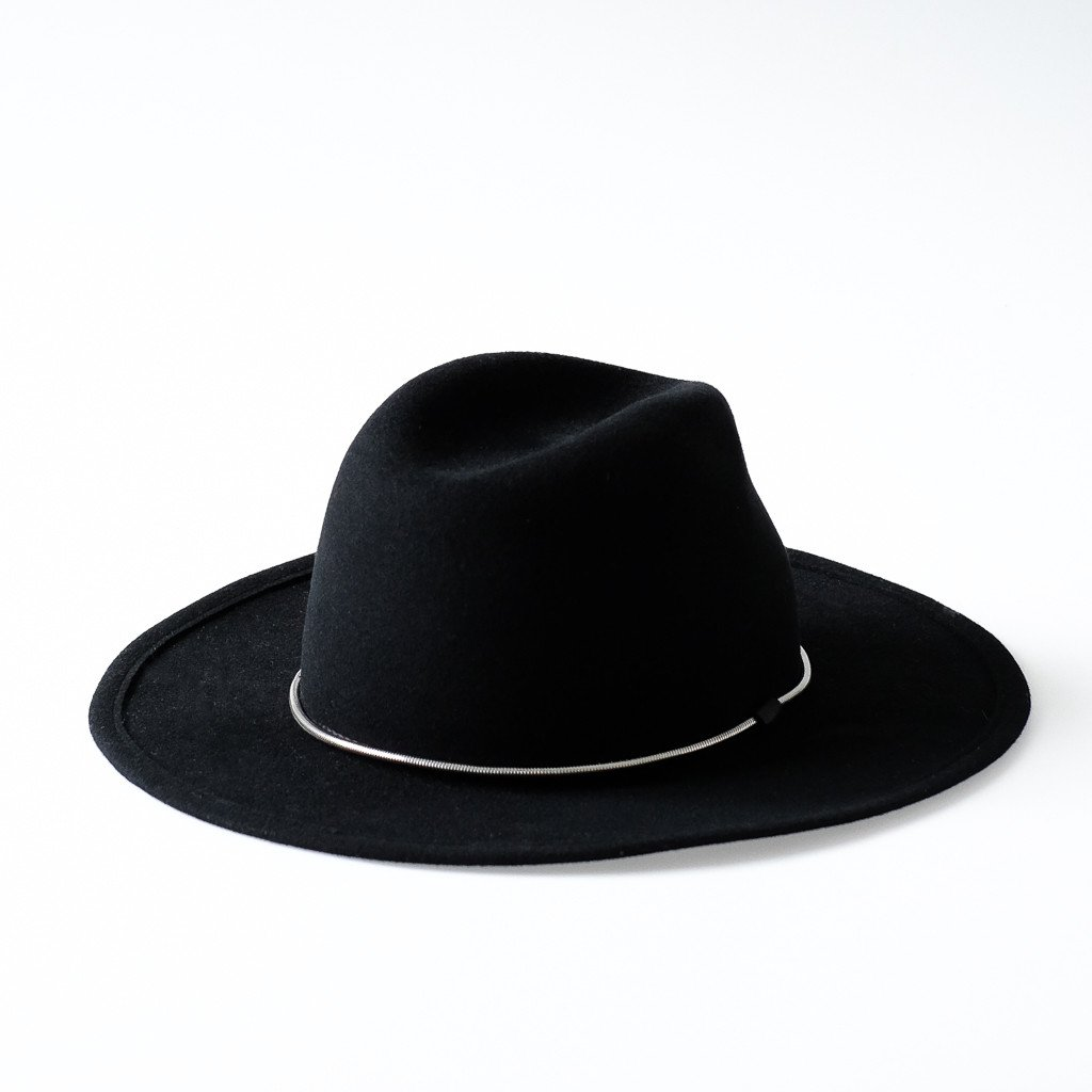 wide brim fedora hat in black with silver chain for fall