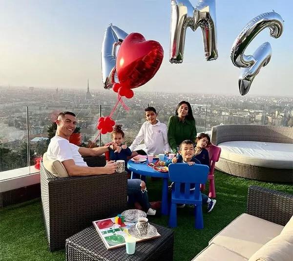 C. Ronaldo và bạn gái mong có thêm con-2