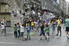 Central city bubble man & children