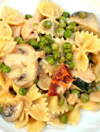 Pasta with Chicken Peas & Mushrooms by 2sistersrecipes.com