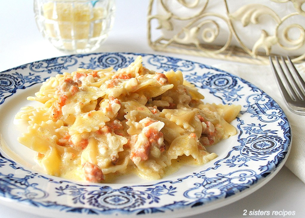 Pasta with Smoked Salmon in Creamy Sauce by 2sistersrecipes.com