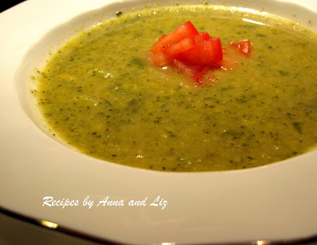 Creamy Broccoli Soup - without the Cream! by 2sistersrecipes.com