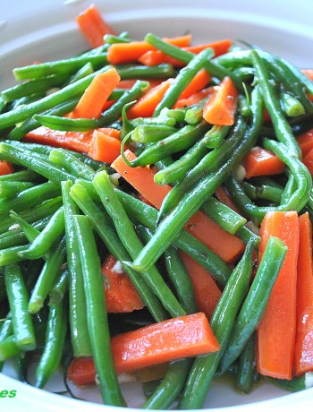 Green Beans and Carrot Salad- Italian Style! By 2sistersrecipes.com