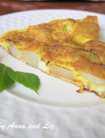 Mom's Easy Potato Omelet by 2sistersrecipes.com