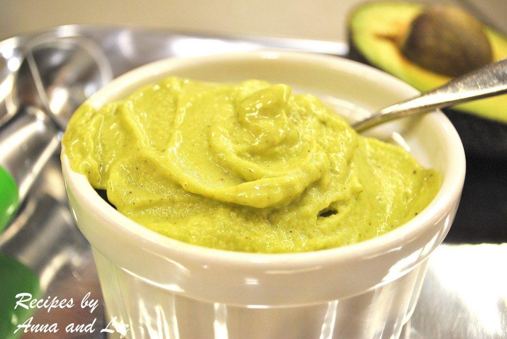 Dairy-Free Pistachio Ice Creamy by 2sistersrecipes.com