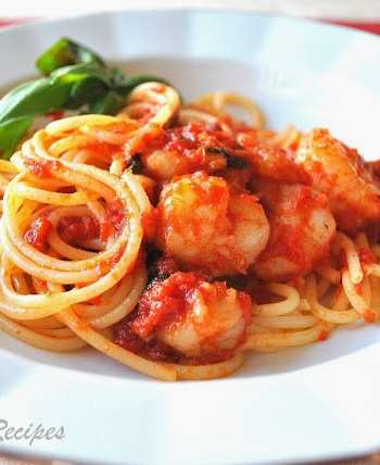 Spaghetti with Shrimp Marinara by 2sistersrecipes.com