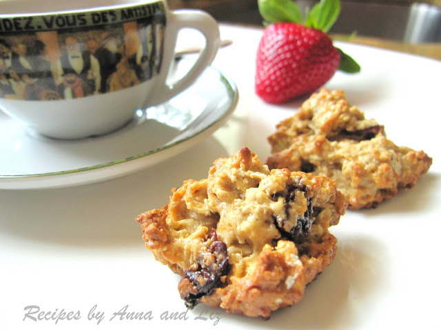 Healthy Oatmeal Cranberry Nut Cookies y 2sistersrecipes.com