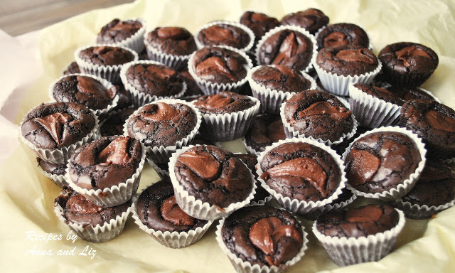 Mini Brownie Cups filled with Nutella