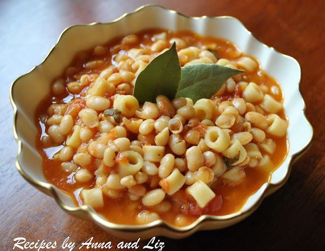 Italian White Bean Soup - Pasta e Fagioli by 2sistersrecipes.com