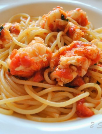 Spaghetti with Lobster Tails Sauce by 2sistersrecipes.com