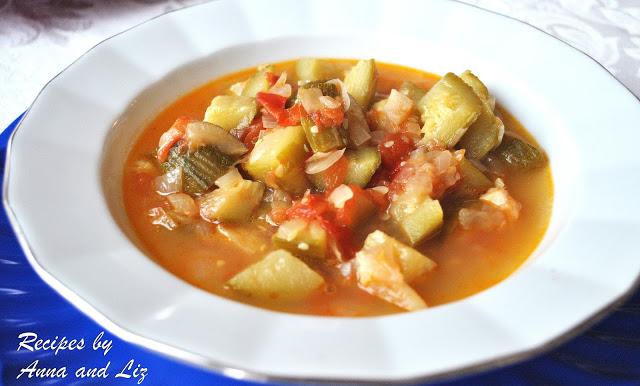 Italian Style Zucchini and Tomato Soup by 2sistersrecipes.com