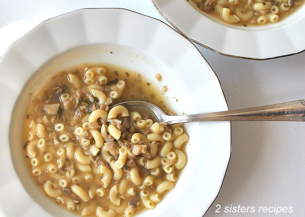 Fast & Easy Mushroom Soup by 2sistersrecipes.com