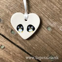 Cute toeprint penguins