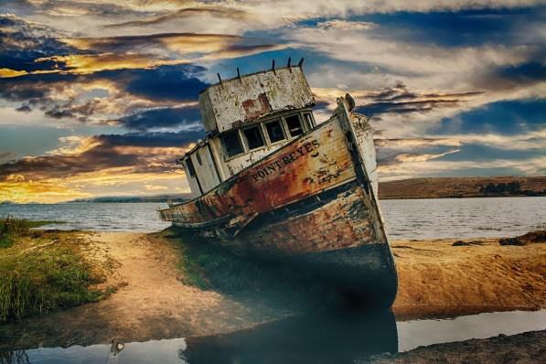 boat-aground_HypnoArt