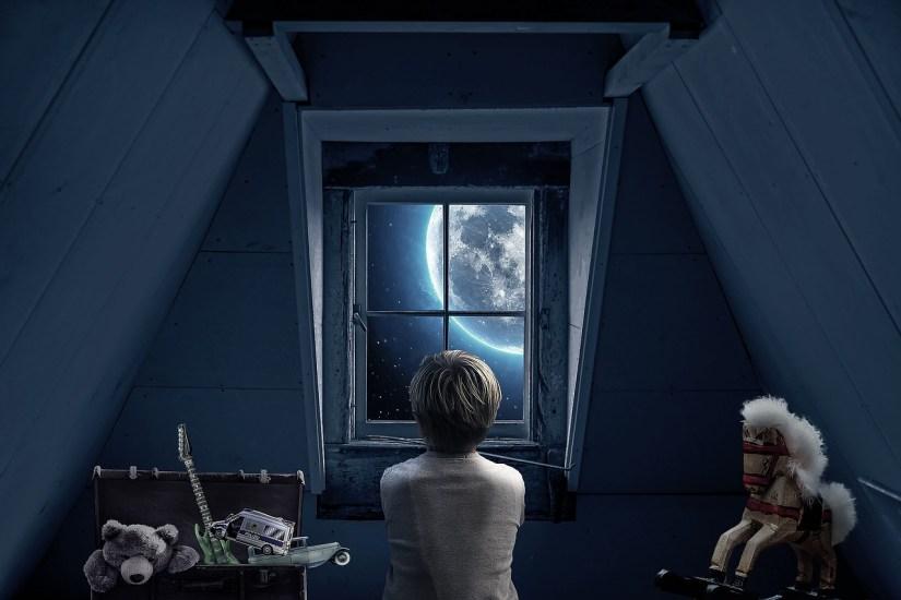 boy-attic-blue_Myriam Zilles