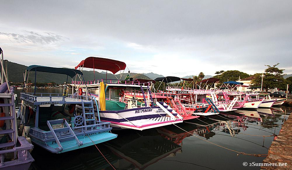 Paraty boats
