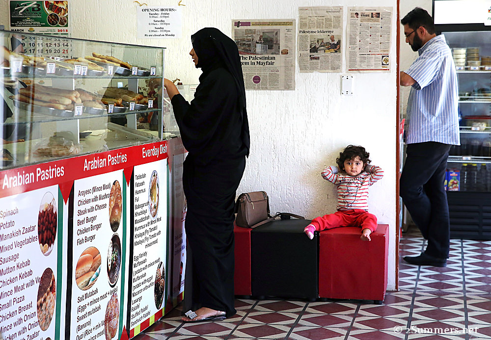King Arabic customer and child