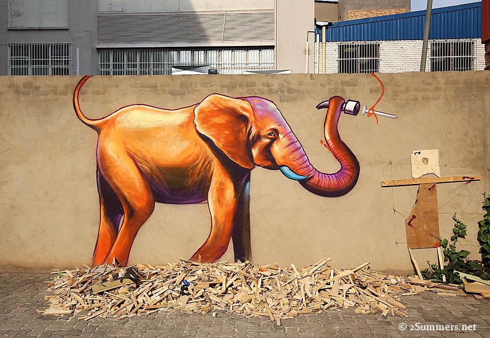 Golden-elephant