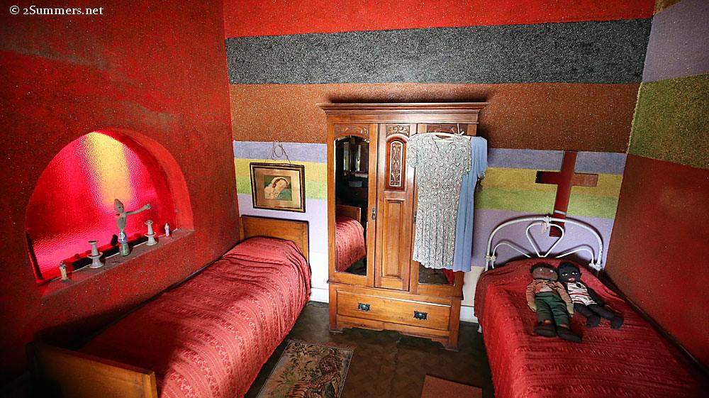 Strange-rooms