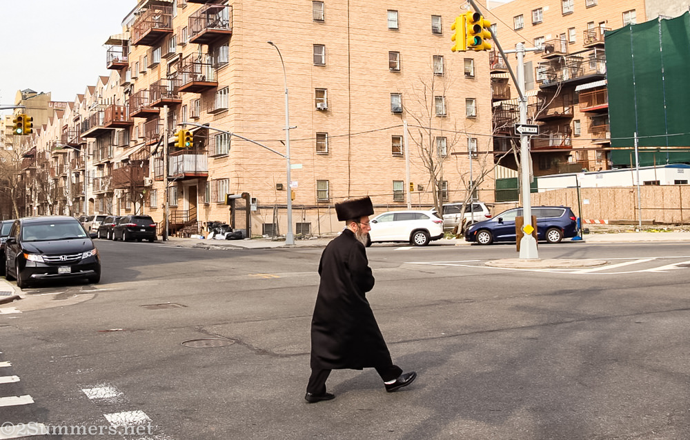 Hasidic man in Bed-Stuy
