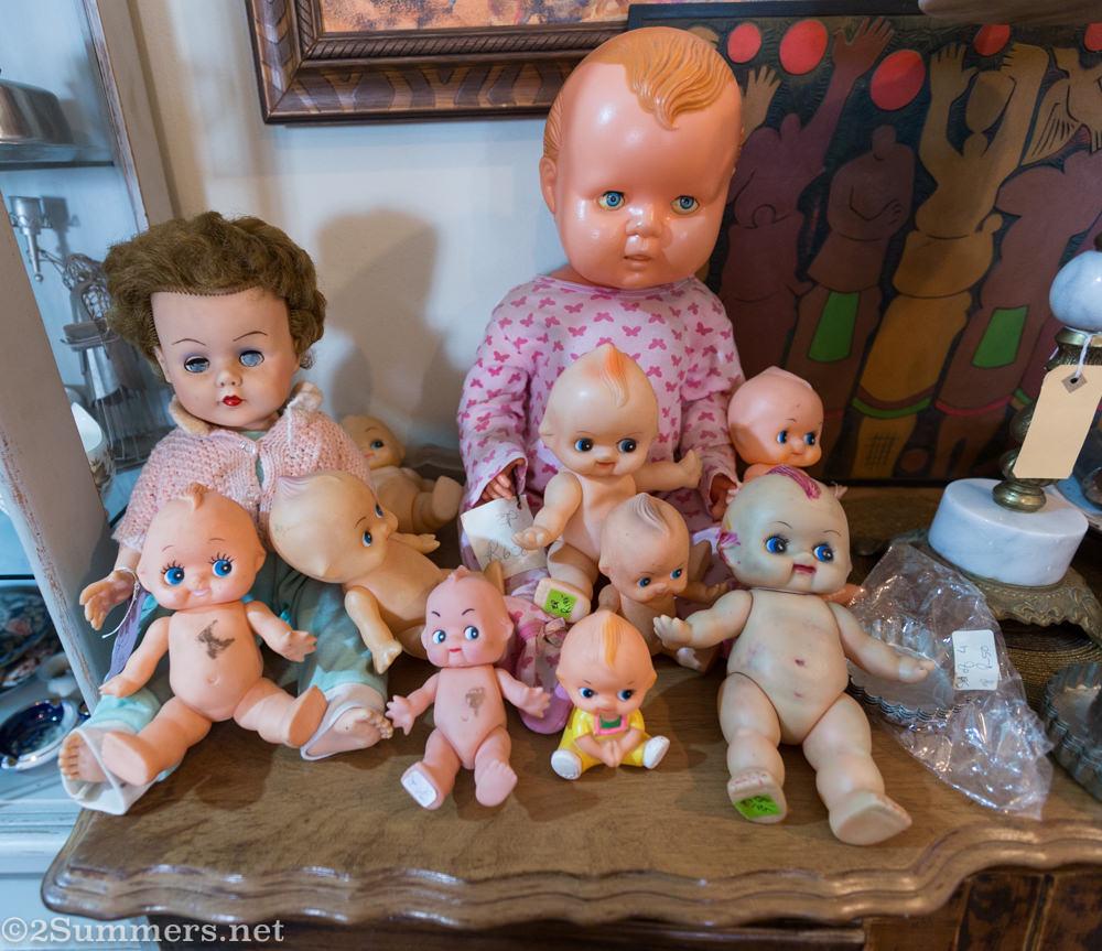Dolls in Retro Rabbit