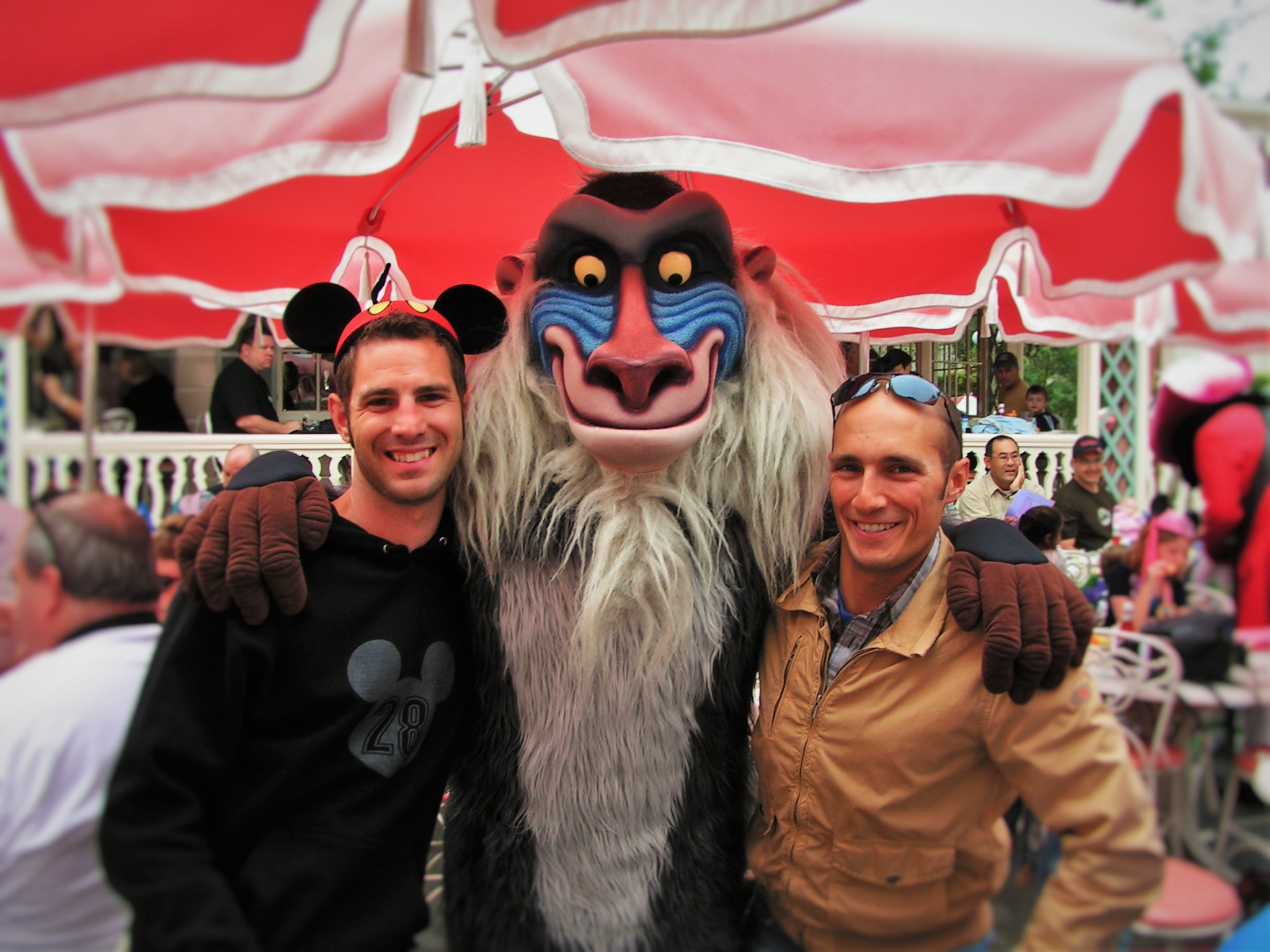 Chris-and-Rob-Taylor-at-Character-breakfast-in-Disneyland