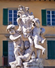 Pisa Sculptures 1