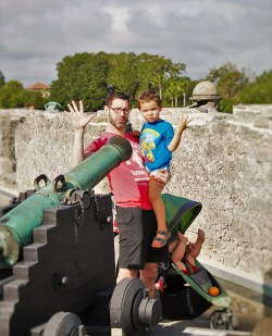 Chris Taylor and Dudes with Cannon at Castillo San Marcos St Augustine 2