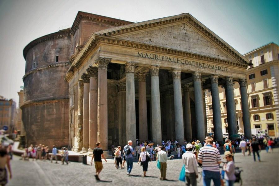 Pantheon Exterior from WanderingWagars.com