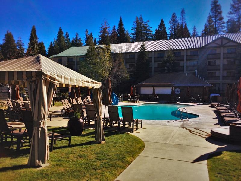 Outdoor pool at Tenaya Lodge Yosemite 2traveldads.com