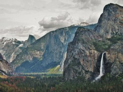 Bridal Veil Falls Yosemite Valley from Tunnel View in Yosemite National Park 2traveldads.com (1)
