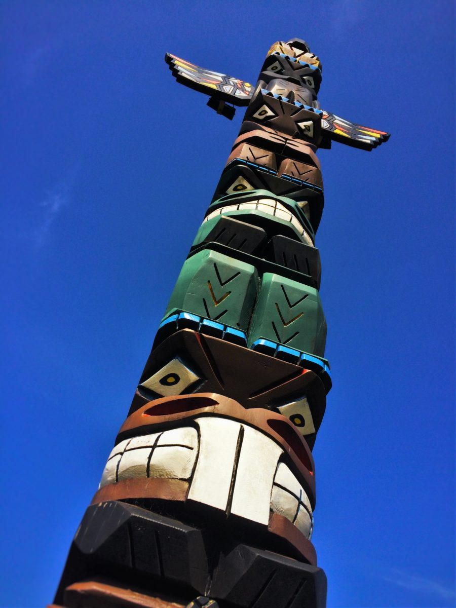 Totem Pole at Pacific Reef Hotel Gold Beach Southern Oregon Coast