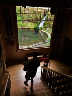 Taylor Family in Oregon Caves Chateau